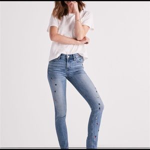 Lucky Brand Jeans - Luck Brand Skinny Jean Ditsy Bug Embroidery